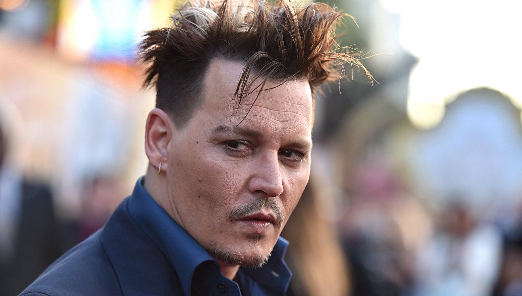 Член съемочной группы подал в суд на Джонни Деппа за избиение