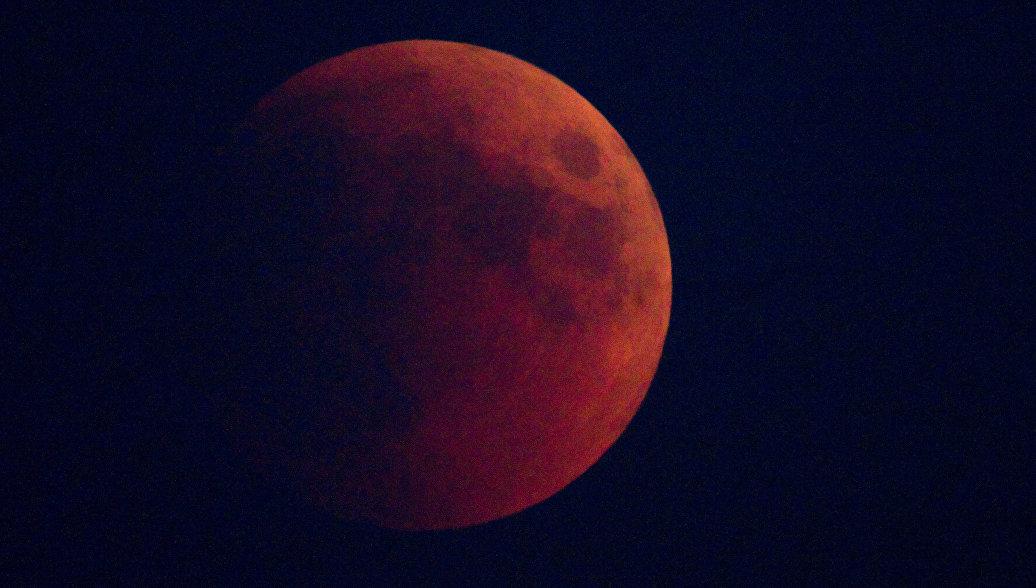 Россияне увидят самое длительное затмение Луны в XXI веке