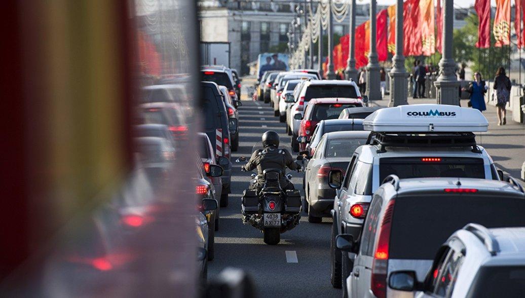 Легковые автомобили могут понадобиться для обеспечения тыла, заявил эксперт