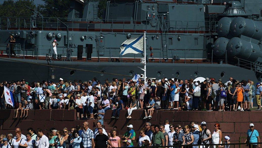 Медведев поздравил россиян с Днем ВМФ