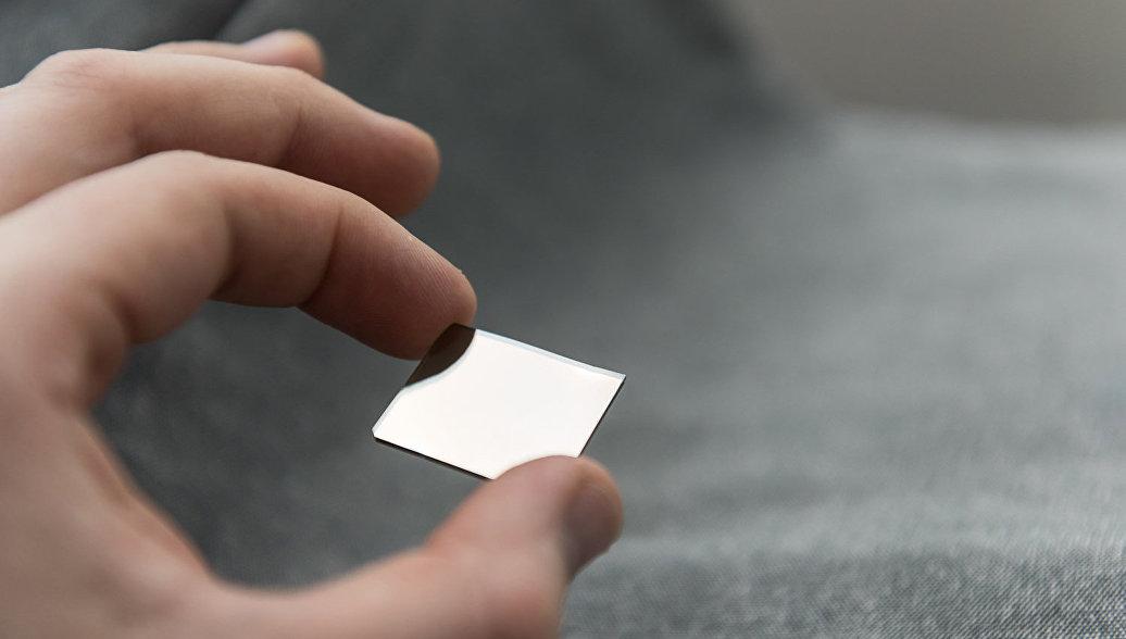 Ученые сделали сверхпрочные металлические стекла пластичнее, заморозив их
