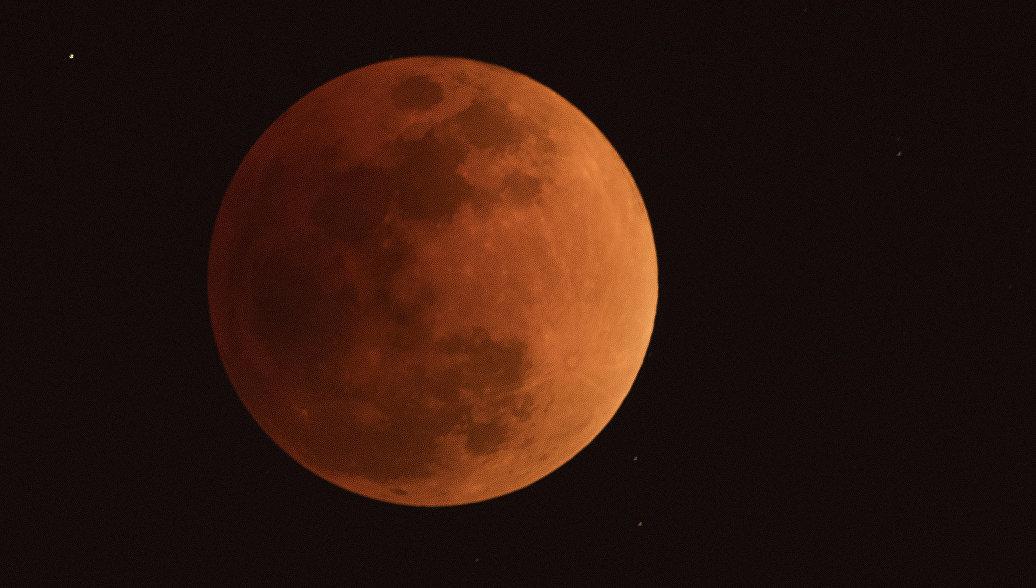 Жители Екатеринбурга увидят соединение Луны и Марса в конце июля
