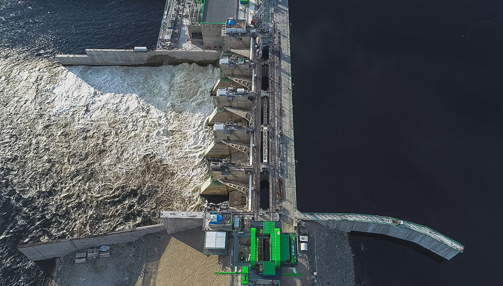 Бурейская ГЭС в Приамурье начала дополнительный сброс воды из-за паводка
