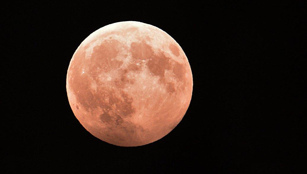 Россияне смогут увидеть противостояние Марса и полное затмение Луны