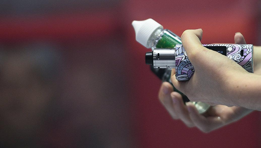 Ученые развеяли миф о безопасности никотиновых электронных сигарет