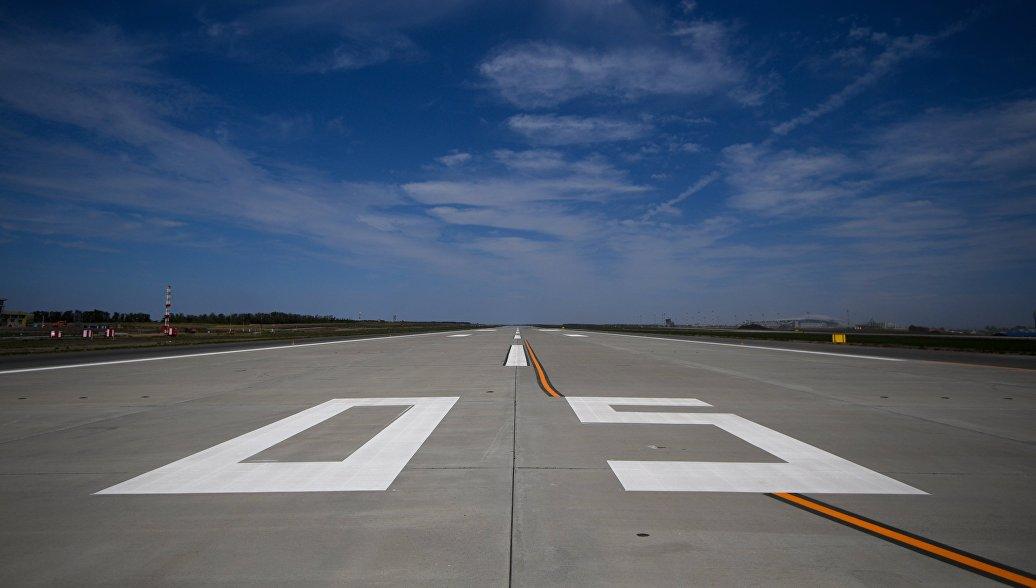 Летевший в Таджикистан Boeing экстренно приземлился в Москве