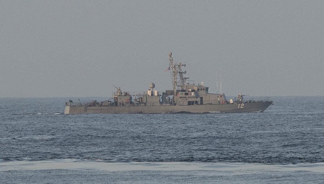 В Иране заявили о прибытии в Персидский залив американского корабля с химикатами