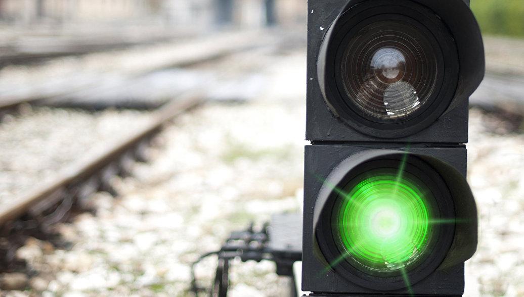Под Саратовом задержали два пассажирских поезда из-за аварии
