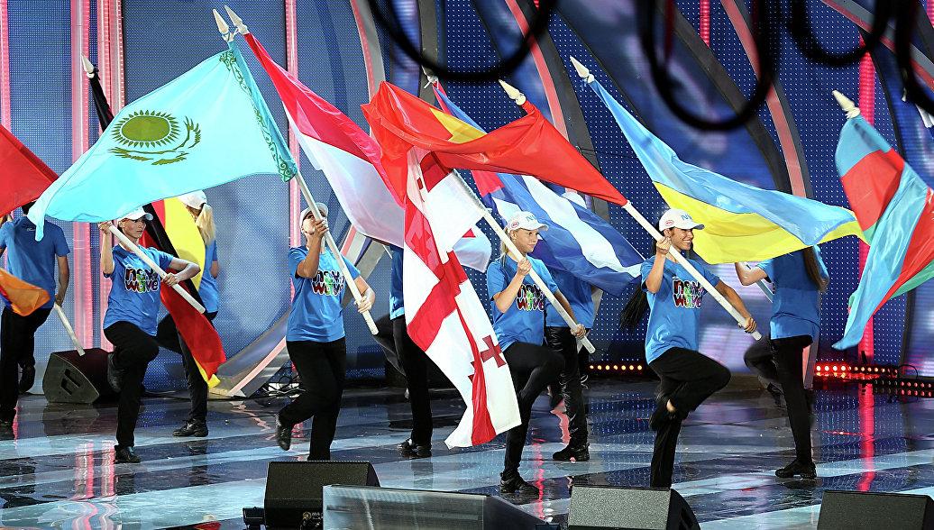 Sputnik рассказал, как Латвия справляется после ухода