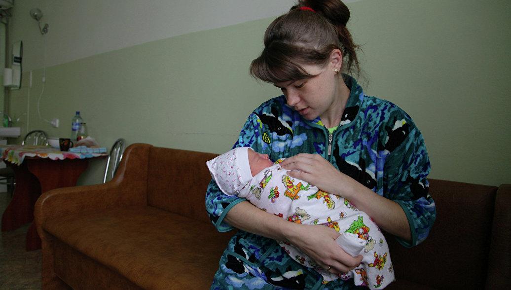 Эксперты: кормление детей грудью до 2-3 лет может спасти от онкологии