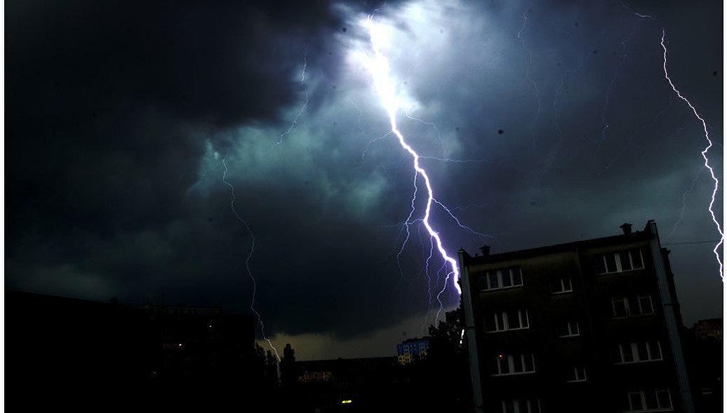 В Ростовской области из-за удара молнии погибла беременная женщина