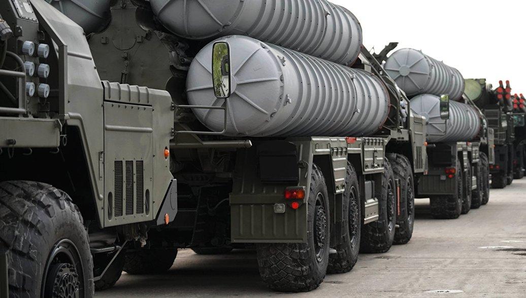 В Астраханской области провели боевые пуски ракет С-400