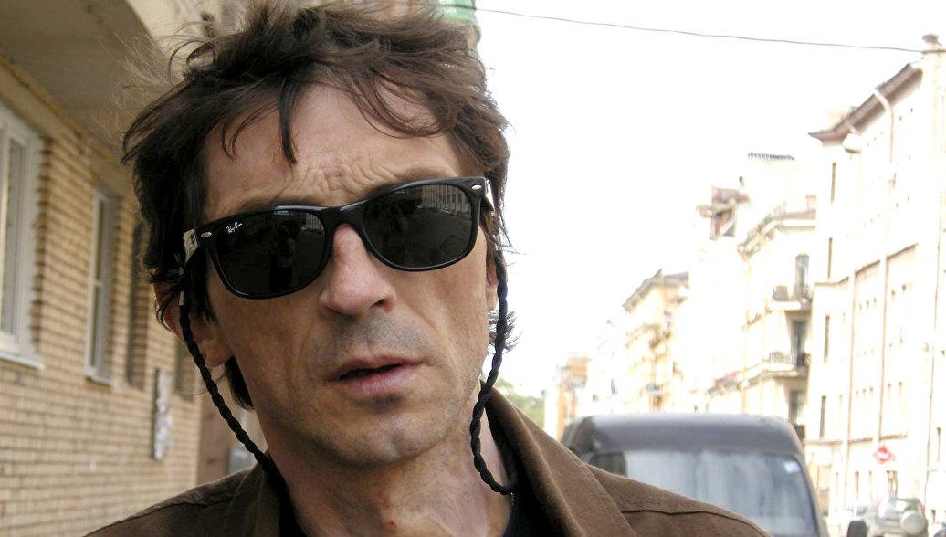 Умер художник и музыкант Андрей Крисанов