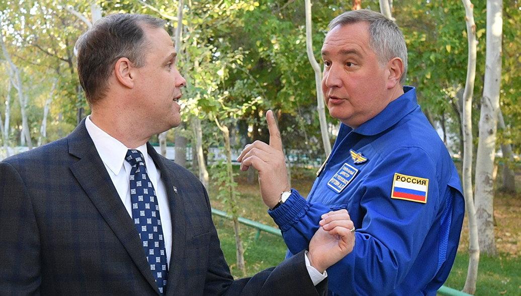 Рогозин и глава НАСА обсудили освоение Луны и поиск внеземной жизни