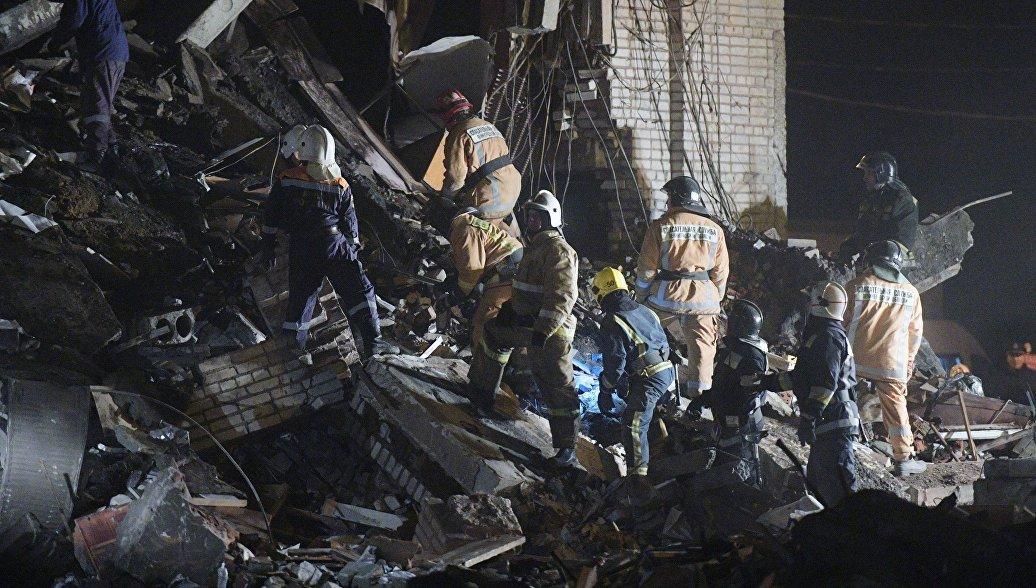 Второго погибшего нашли под завалами после взрыва на заводе в Гатчине