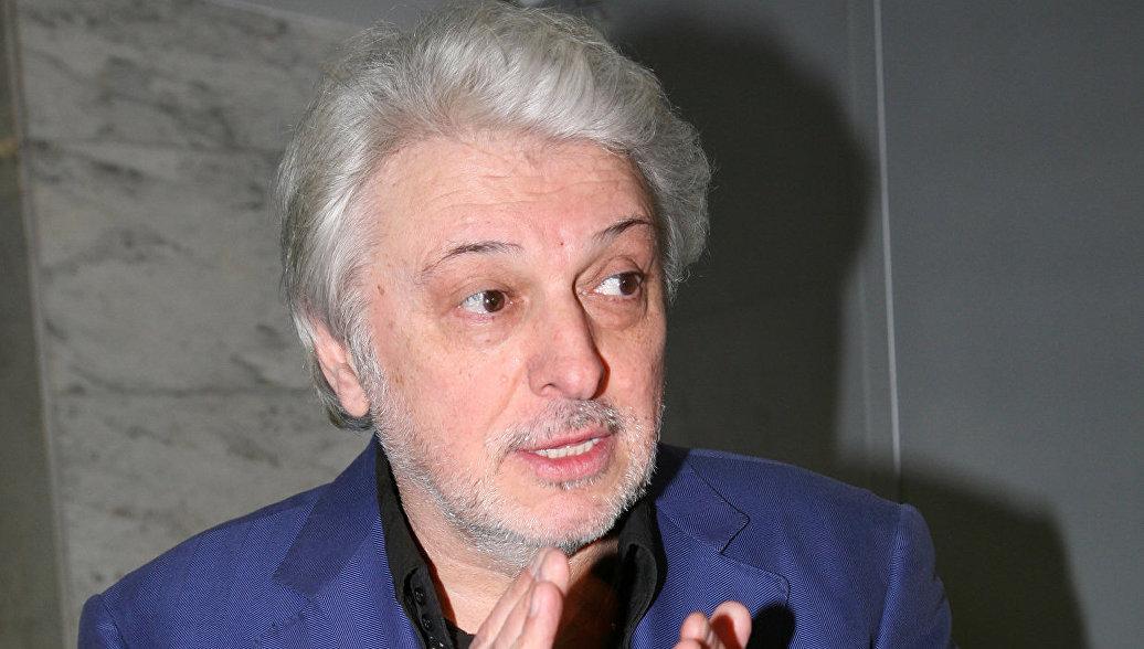 Певца Вячеслава Добрынина госпитализировали