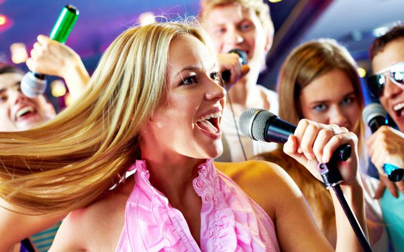 5 правил как правильно петь в караоке?