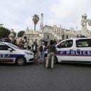 В Марселе бездомная облила кислотой шесть посетителей кафе
