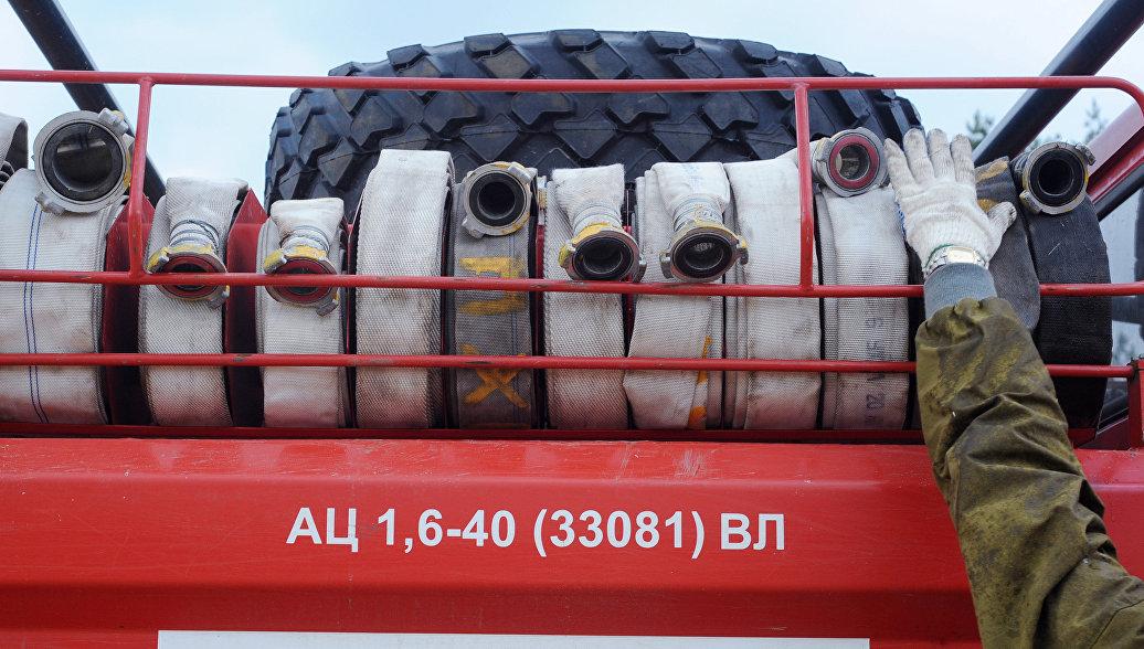Пожар на складе автотехники в Комсомольске-на-Амуре потушен