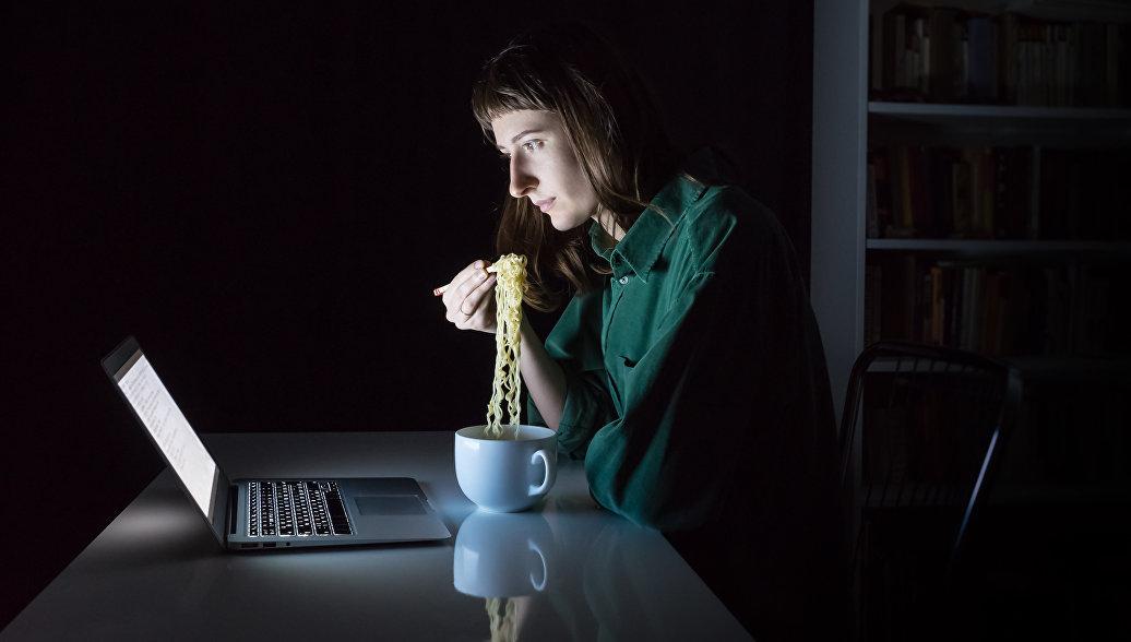 Ученые раскрыли опасность поздних приемов пищи