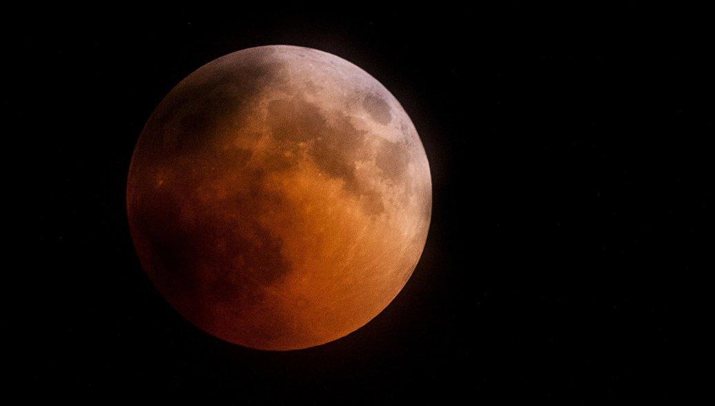 Россия планирует построить на Луне две астрономические обсерватории, заявили в РАН