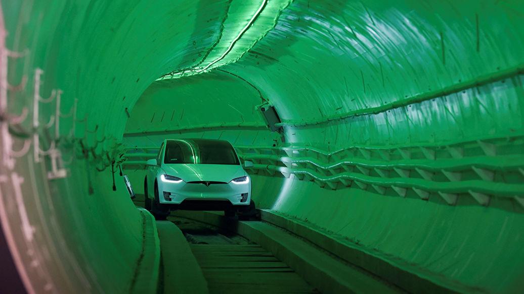 Появилось видео проезда Tesla по туннелю Маска под Лос-Анджелесом