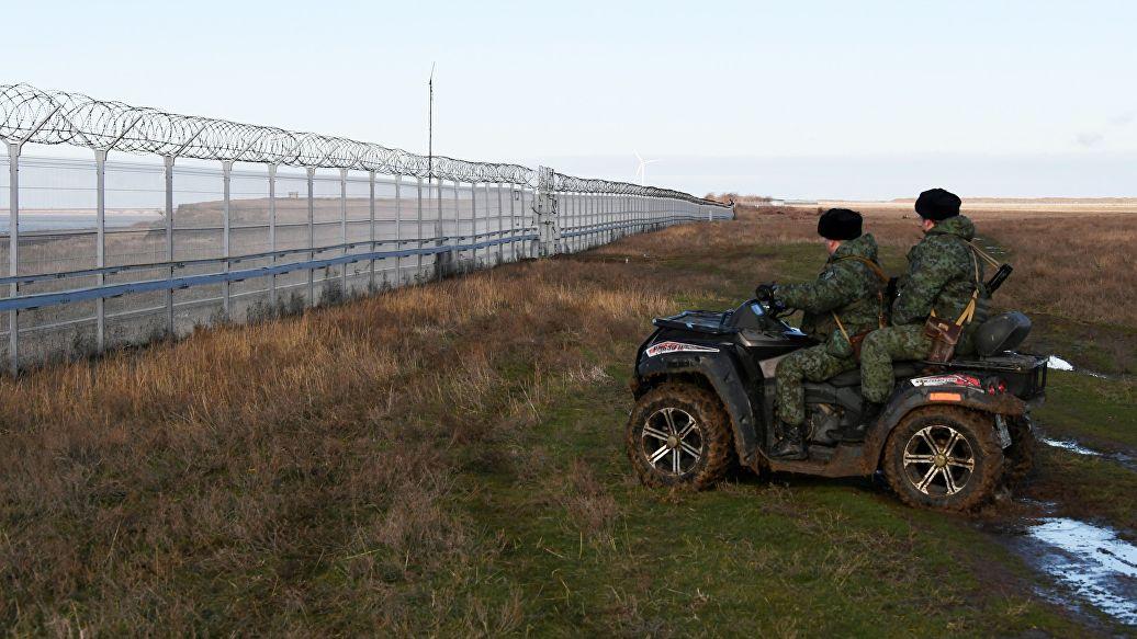 Киев направит ноту протеста из-за стены на границе в Крыму
