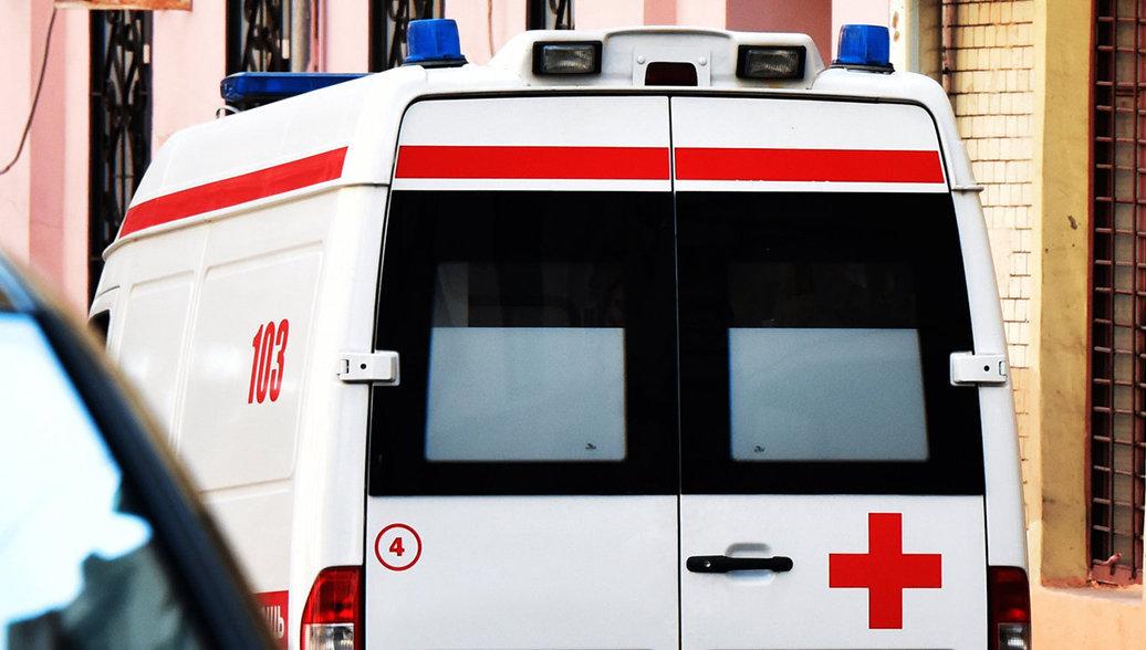 В Калмыкии столкнулись автобус и грузовик