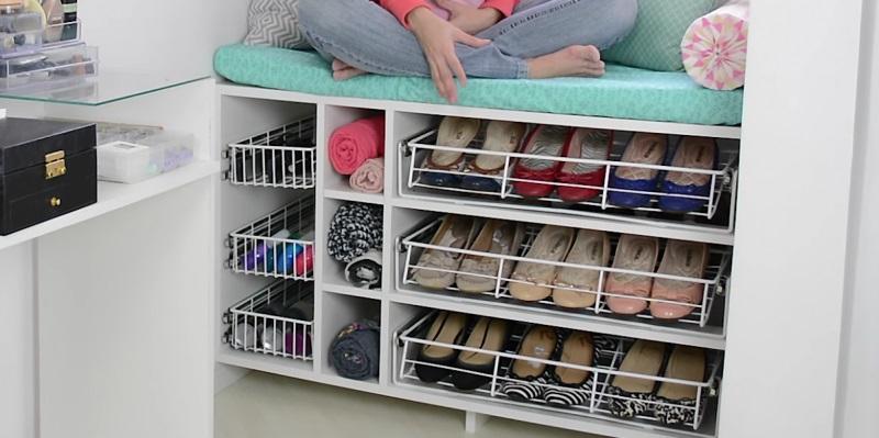 Особенности выбора полок для обуви от компании plastic-shop.in.ua