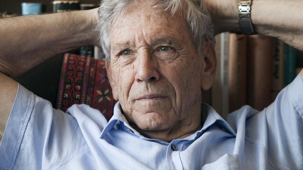 В Израиле умер писатель Амос Оз