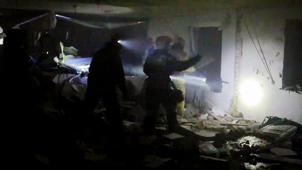 В Магнитогорске при взрыве обрушился подъезд жилого дома
