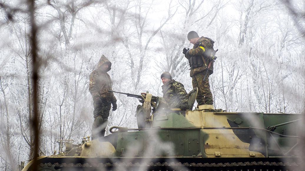 Украинские военные сообщили о трех нарушениях режима тишины в Донбассе