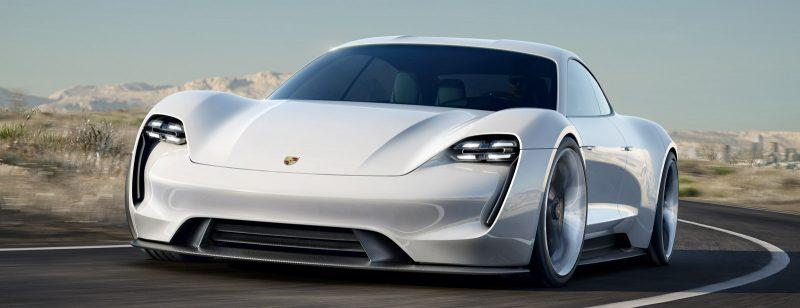 Автомобиль Porsche ждет вас