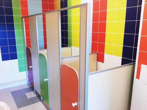 Сантехнические перегородки для детских туалетов
