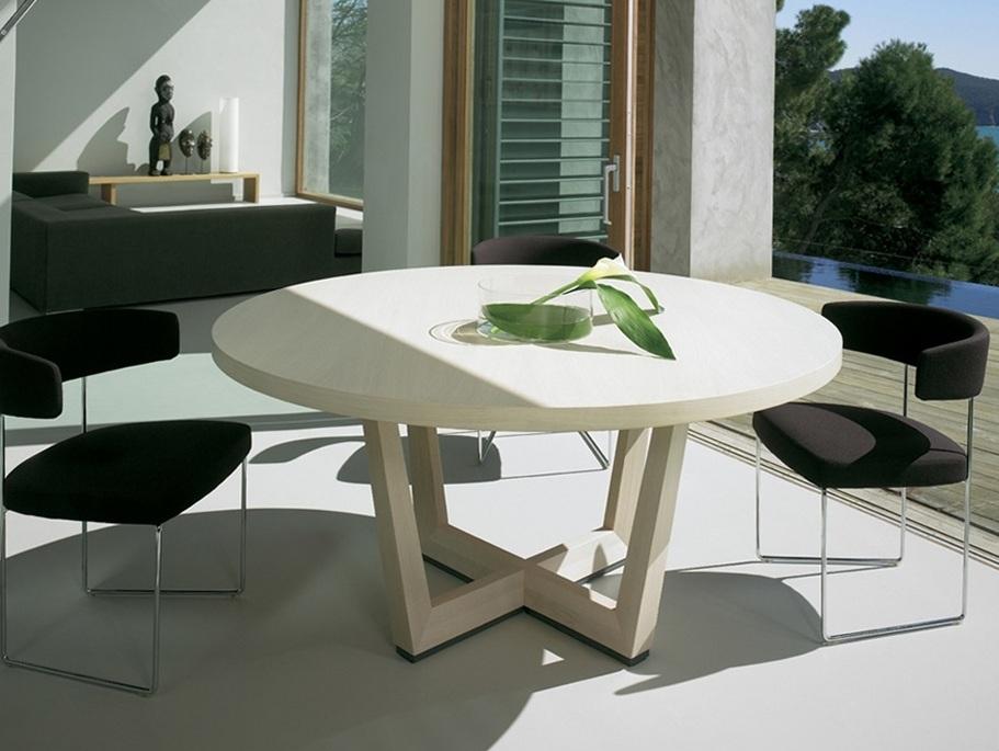 Купить отличные столы для гостиницы