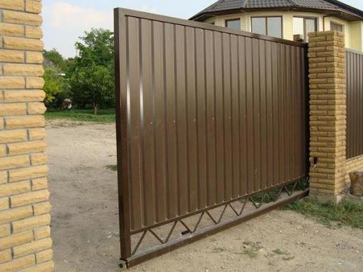 Автоматические откатные ворота для дачи