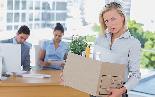 Как правильно уволить сотрудника в связи с сокращением штата