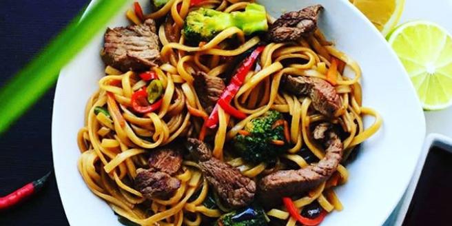 Заказать доставку азиатской еды в Москве